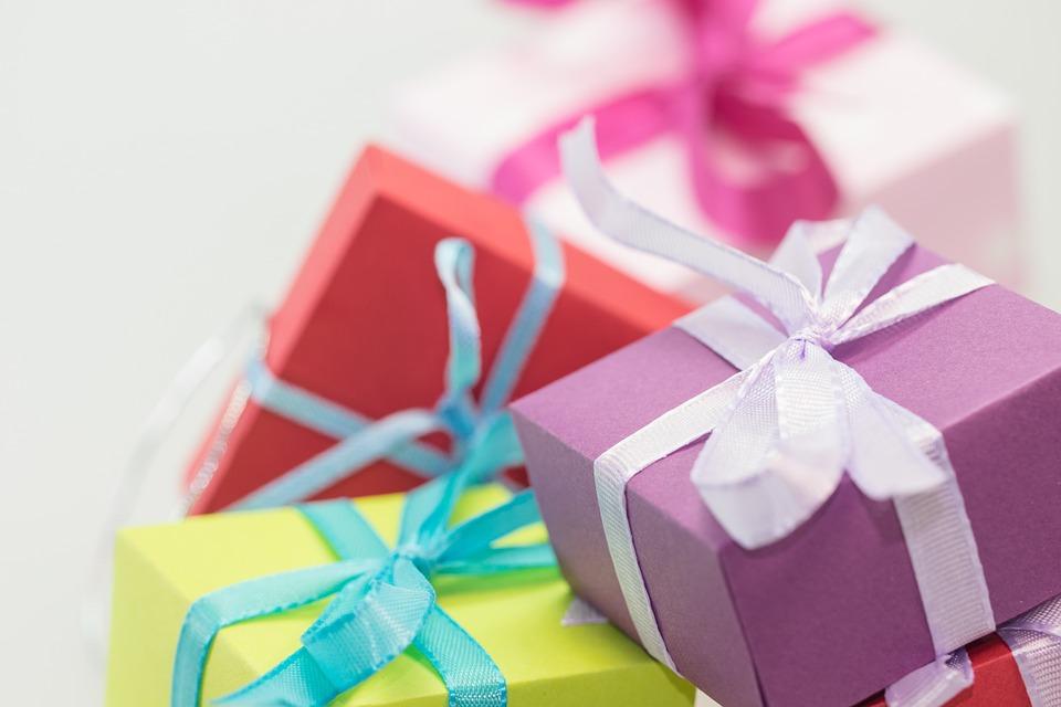 gifts-570821_960_720.jpg